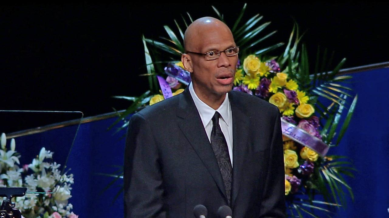 <p>At his memorial, Lakers legend Kareem Abdul-Jabbar remembered Jerry Buss as a successful, modern renaissance man.</p>