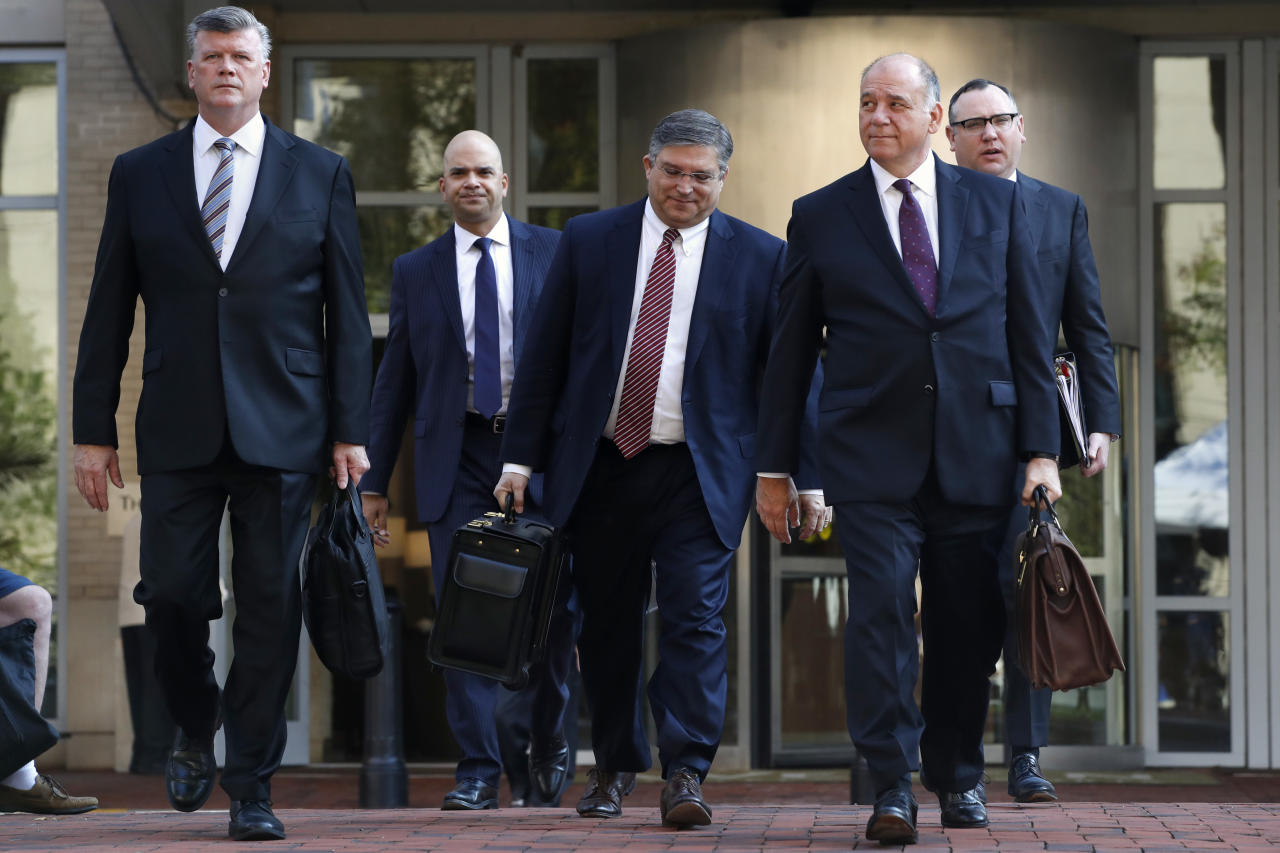 <p>Members of the defense team for Paul Manafort, from left, Kevin Downing, Jay Nanavati, Richard Westling, Thomas Zehnle, and Brian Ketcham, walk to federal court for closing arguments in the trial of the former Trump campaign chairman, in Alexandria, Va., Wednesday, Aug. 15, 2018. (Photo: Jacquelyn Martin/AP) </p>