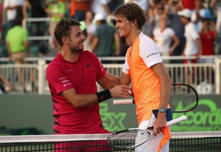 Alexander Zverev (L) beats Stan Wawrinka 4-6, 6-2, 6-1 in the Miami Open 4th round
