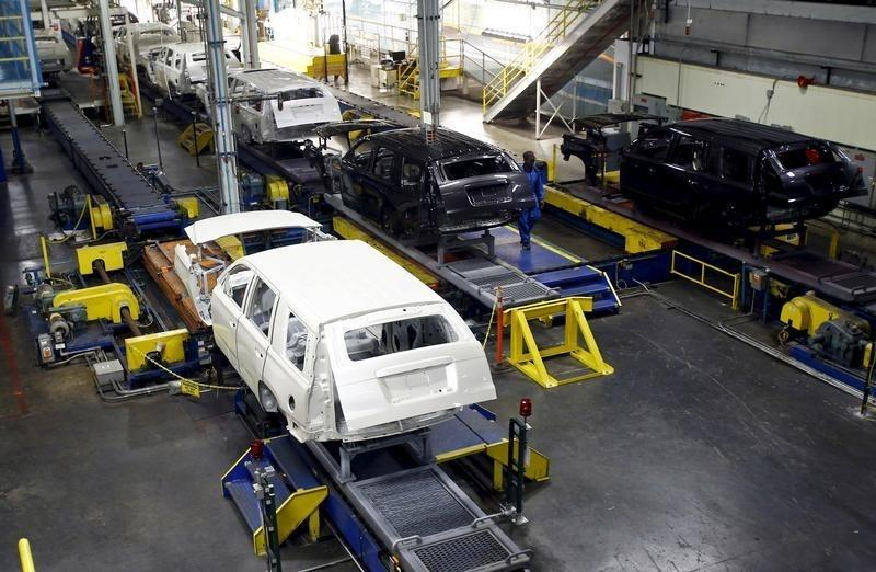 SUVs move through the assembly line at the General Motors Assembly Plant in Arlington, Texas