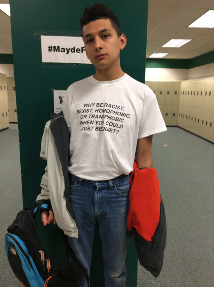 A Texas teen proved that a t-shirt is all you need to send out a statement [Photo: Twitter/lustdad]