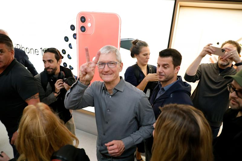 Apple becomes first USA company to top $2 trillion in market value