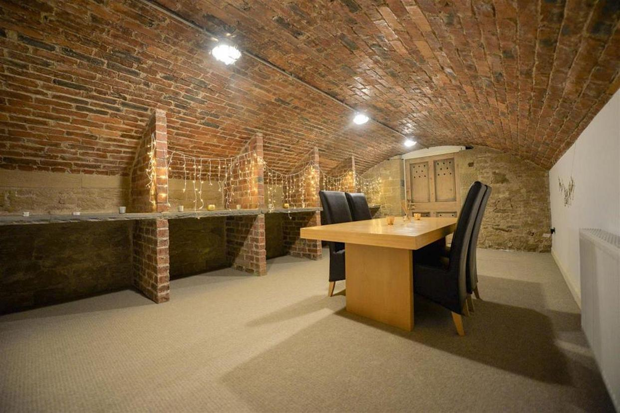 And has it's own wine cellar. (Rightmove)