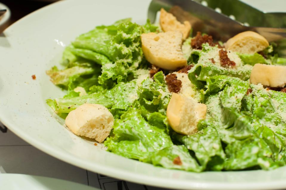 The Centers for Disease Control and Prevention warned Americans not to eat romaine lettuce. (Photo: <span>Karl Tapales/Getty Images)</span>