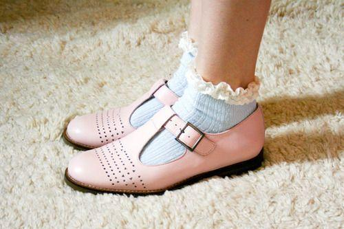 <p>Adding a pair of frilly socks to your outfit immediately adds a girly touch perfect for the brighter season. <i>[Photo: Pinterest] </i></p>