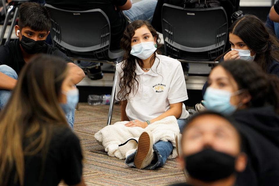 Students wear masks during class to prevent the spread of COVID-19 at Santa Fe South High School where masks are required, in Oklahoma City, September 1, 2021. REUTERS/Nick Oxford
