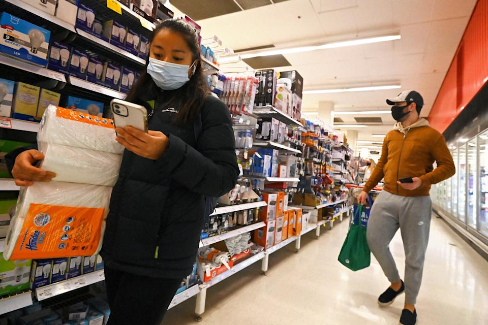 Residents stock up on provisions in Sydney during lockdown. Source: Getty