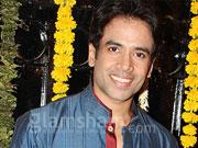 How Tusshar Kapoor keeps SHOOTOUT AT WADALA team awake?