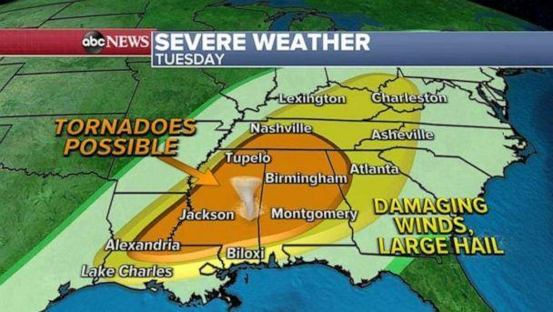 PHOTO: The biggest threat, however, will be damaging winds and large hail with more potential for a few tornadoes from Louisiana to Mississippi and into Alabama and Tennessee.  (ABC News)