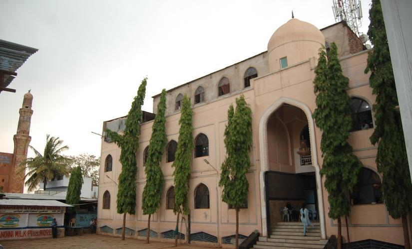 Shaheen School in Bidar town of North Karnataka has been aiding Urdu-speaking Madrasa pass-out students to embrace mainstream education system and beat competitive exams.