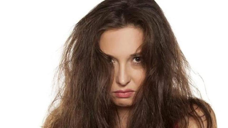 Unmanageable frizzy hair? These home remedies will help tame it