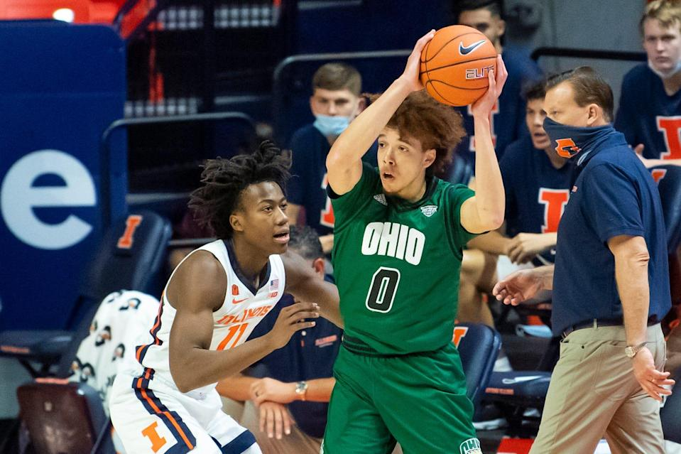 Jason Preston had 31 points, eight assists and 0 turnovers in a 77-75 loss against Ayo Dosunmu, left, and then-No. 8 Illinois on Nov. 27, 2020 in Champaign, Illinois.