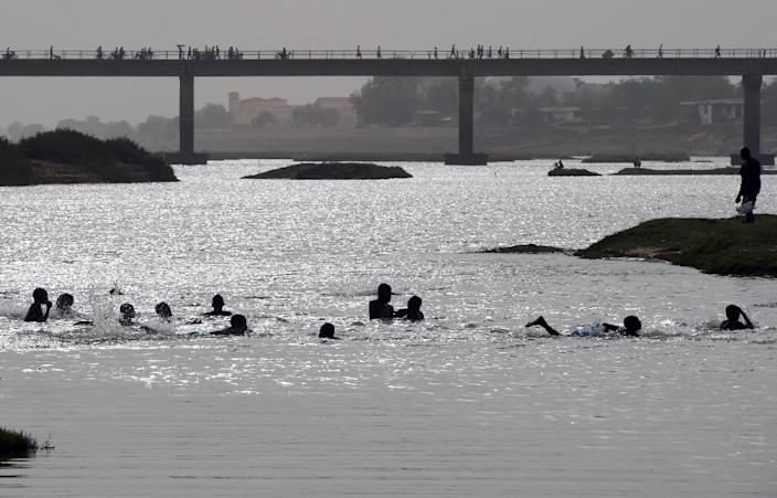 To stem infiltration, Chadian authorities have halted all navigation on the Chari river and its tributary, the Logone (AFP Photo/Philippe Desmazes)