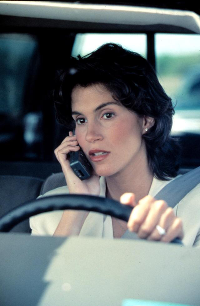 Jami Gertz in <em>Twister</em>. (Photo: Everett Collection)
