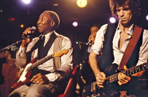 Richards with Muddy Waters in 1981.