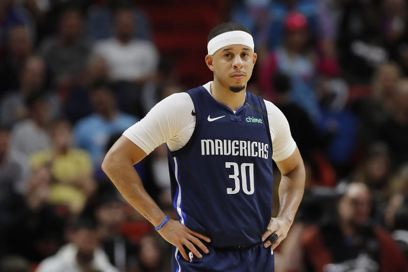 Seth Curry #30 of the Dallas Mavericks