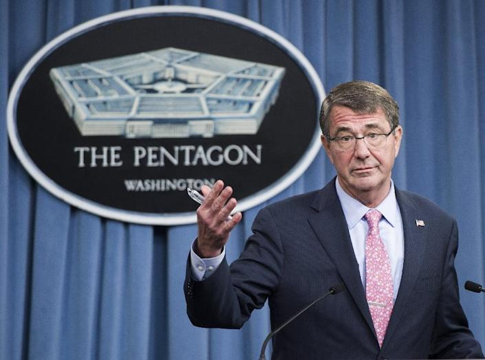 US Secretary of Defense Ashton Carter speaks about Russian airstrikes in Syria during a press briefing at the Pentagon in Washington, DC, September 30, 2015 (AFP Photo/Saul Loeb)