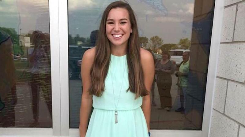More Than 1,000 Mourners Attend Mollie Tibbetts' Funeral