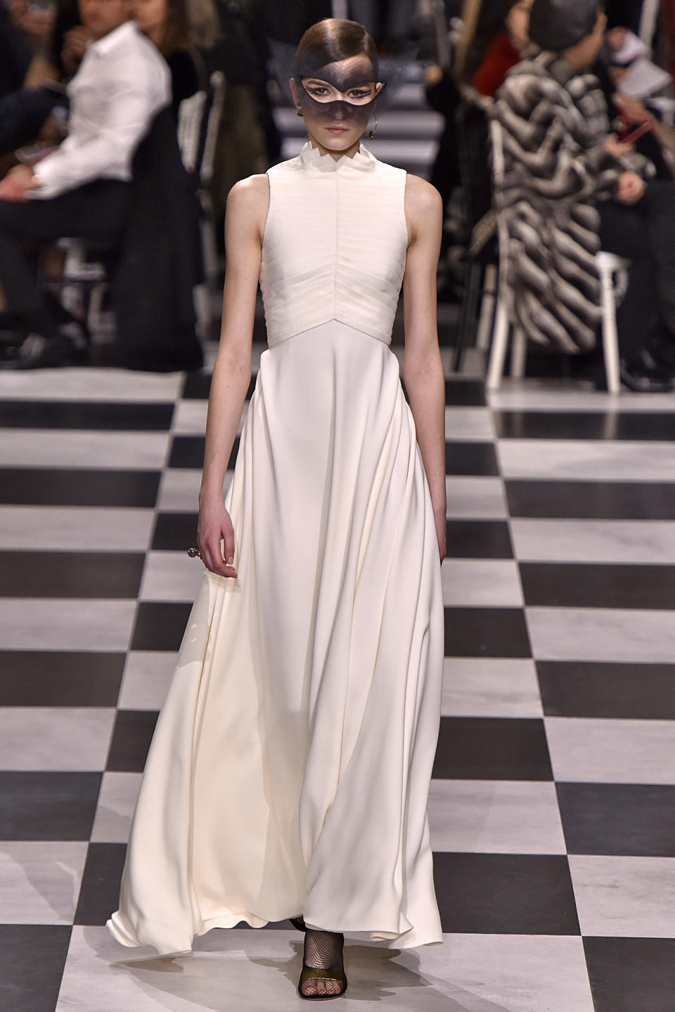<p>This Dior gown lets its textured bodice do the talking. (Photo: Getty Images) </p>