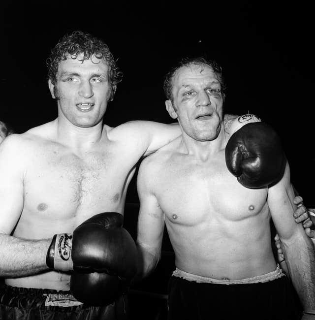 Boxing – British, Commonwealth and European Heavyweight Title – Henry Cooper v Joe Bugner – Empire Pool