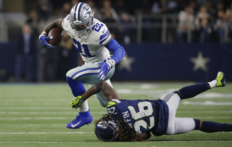 The Dallas Cowboys reportedly offered running back Ezekiel Elliott a contract that would make him one of the two highest-paid players at his position. (AP)