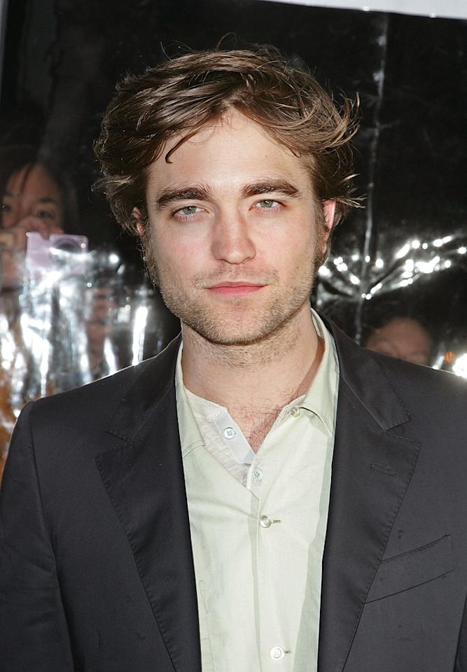 """<a href=""""http://movies.yahoo.com/movie/contributor/1808623206"""">Robert Pattinson</a> at the New York City premiere of <a href=""""http://movies.yahoo.com/movie/1810076910/info"""">Remember Me</a> - 03/01/2010"""