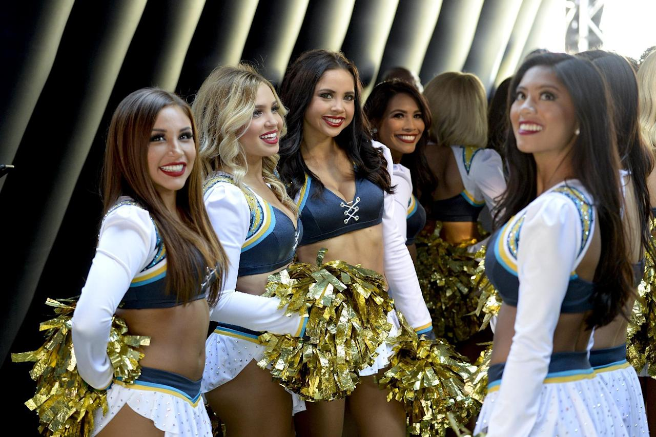 Nfl Week 9 Cheerleaders