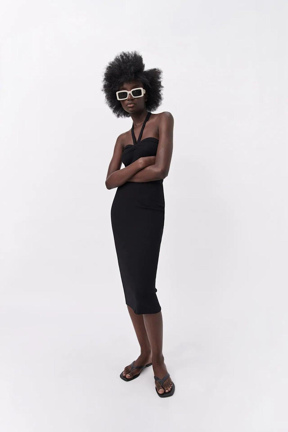 <p>Get all wrapped up in this sexy <span>Zara Sweetheart Neckline Dress</span> ($30).</p>