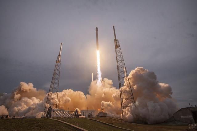 spacex may launch in december falcon