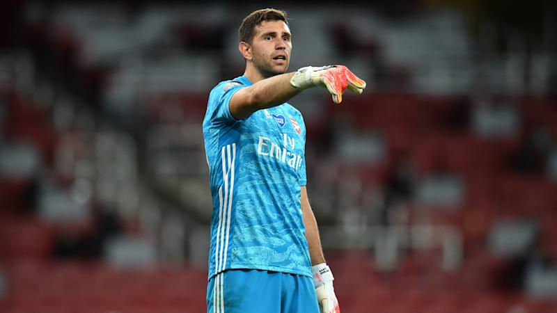 Emiliano Martinez has to earn Aston Villa's number one shirt – Dean Smith