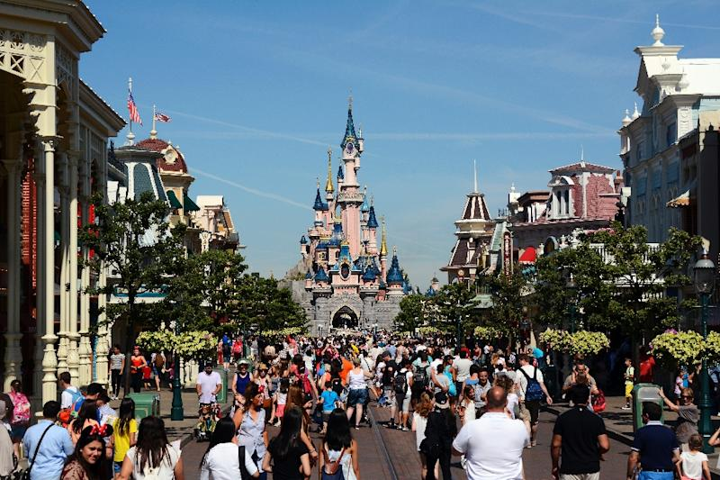 Euro disney sales down hit by attacks for Site touristique france