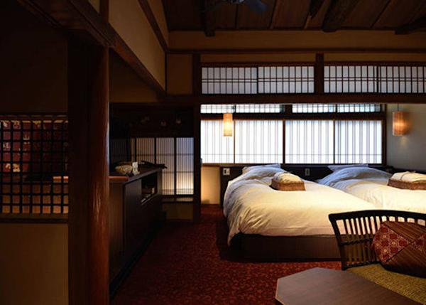 ▲Ginshu Twin Bedroom. 2 persons, 23,000 yen each plus tax on weekdays, 2 meals included.