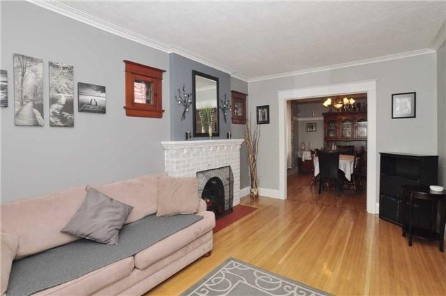 <p><span>124 Eastwood Ave., Toronto, Ont.</span><br> This home, located in Toronto's Birchcliffe neighbourhood, packs lots of features into its roughly 2,000 square feet.<br> (Photo: Zoocasa) </p>