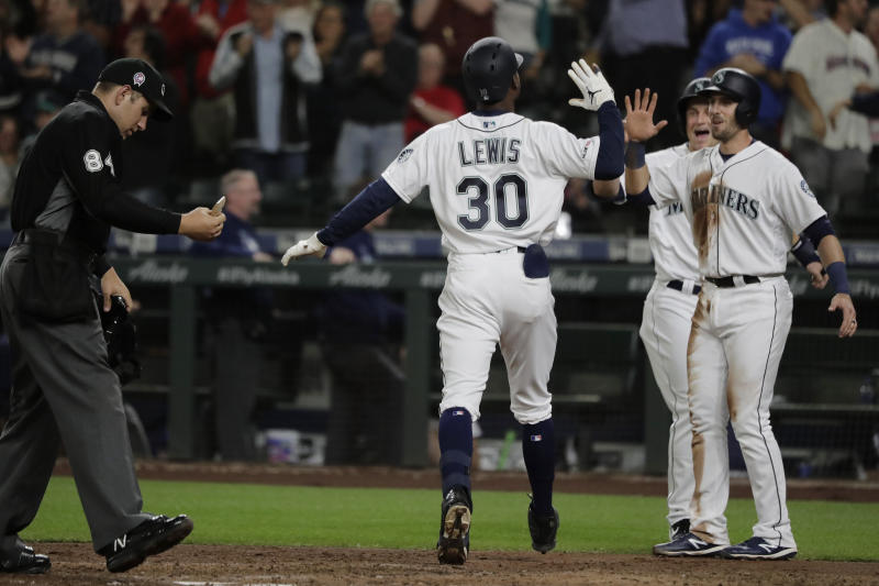 Lewis HR spoils another no-hit bid, Seattle beats Reds 5-3