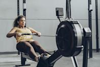 """<p class=""""body-text"""">In your search for the best rowing machine workouts, you found your way here. We love to see it. We've rounded up rowing workouts from 10 to 60 minutes and beginner to advanced friendly. Some are follow along, some work in intervals and others just require you to push through the stamina wall and keep slogging on. </p><p>With so many <a href=""""https://www.womenshealthmag.com/uk/fitness/fat-loss/a28630699/rowing-machine-benefits/"""" rel=""""nofollow noopener"""" target=""""_blank"""" data-ylk=""""slk:rowing machine benefits"""" class=""""link rapid-noclick-resp"""">rowing machine benefits</a>, there's no time like today to hop on your <a href=""""https://www.womenshealthmag.com/uk/gym-wear/g32682245/best-rowing-machines/"""" rel=""""nofollow noopener"""" target=""""_blank"""" data-ylk=""""slk:rowing machine"""" class=""""link rapid-noclick-resp"""">rowing machine</a> and get going. Just make sure to keep a sweat towel nearby – it's wet out there. <br></p><h2 class=""""body-h2"""">How long should you work out on a rowing machine?</h2><p>Boring but true, how long you exercise will always depend on your fitness abilities, stamina and how experienced you are. There's no one size fits all answer and tbh, we love that. </p><p>Work out to a volume that fits your routine and lifestyle. If that's twice a week, great. If that's more – also great. How long you spend on the rower each workout will again, depend on what kind of workout you're aiming to do. Interval workouts that are designed to burn fat are more likely to be shorter in length but at a much higher intensity than form-improving drill workouts or slower cardio sessions. </p><h2 class=""""body-h2"""">Can you lose belly fat on a rowing machine?</h2><p>We're going to level with you – the only way to <a href=""""https://www.womenshealthmag.com/uk/food/weight-loss/a702308/how-to-get-rid-of-belly-fat/"""" rel=""""nofollow noopener"""" target=""""_blank"""" data-ylk=""""slk:get rid of belly fat"""" class=""""link rapid-noclick-resp"""">get rid of belly fat</a> is by looking after your nutrition and """