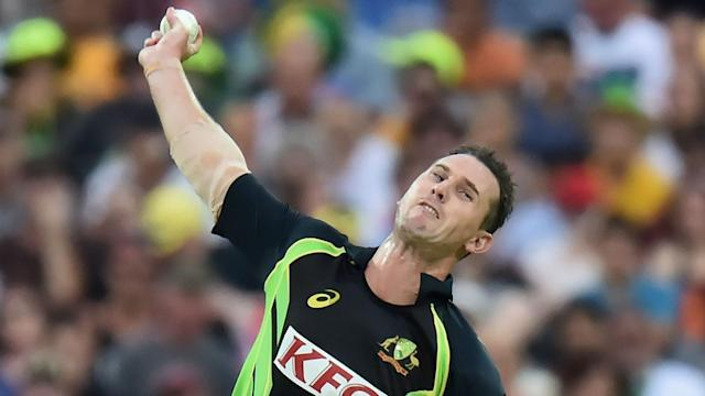 Former Australia quick Shaun Tait has announced his retirement from all cricket after battling an ongoing elbow injury.