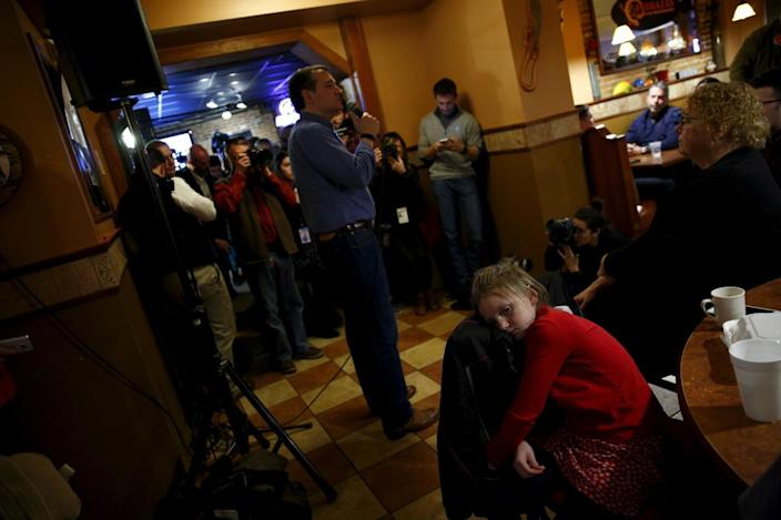 <p>Republican presidential candidate Ted Cruz attends a campaign event in Keene, N.H., on Feb. 7, 2016. <i>(Photo: Eric Thayer/Reuters)</i></p>