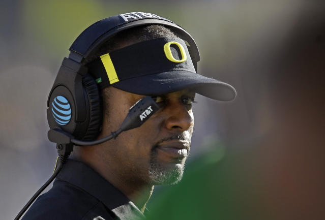 Oregon head coach Willie Taggart looks on from the sideline during the second half of an NCAA college football game against UCLA, Saturday, Oct. 21, 2017, in Pasadena, Calif. (AP Photo/Mark J. Terrill)