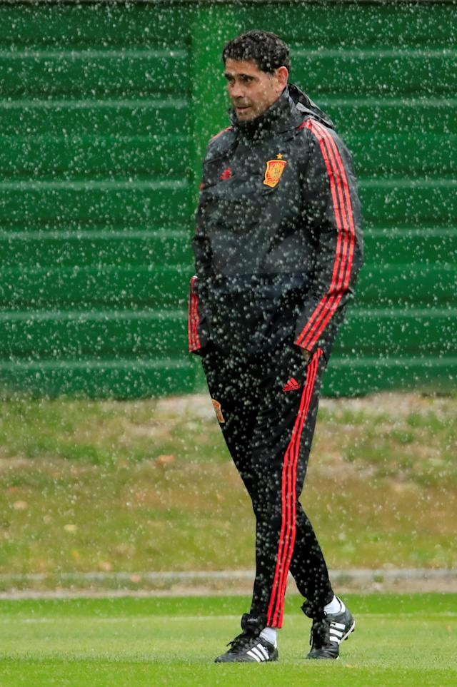 Soccer Football - World Cup - Spain Training - Spain Training Camp, Kaliningrad, Russia - June 24, 2018 Spain coach Fernando Hierro during training REUTERS/Gonzalo Fuentes
