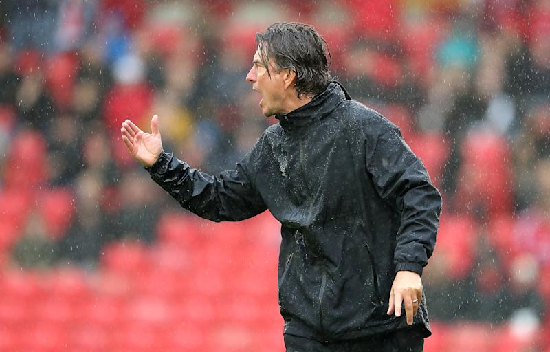 Brentford manager Thomas Frank gestures on the touchline. (Credit: Getty Images)
