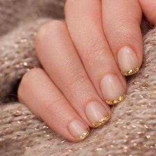 """<p>Elegant, glamorous, and sparkly — all in one.</p><p><a class=""""link rapid-noclick-resp"""" href=""""https://www.amazon.com/gold-silver-foil-paillette-Ongles/dp/B009D9O6YA?tag=syn-yahoo-20&ascsubtag=%5Bartid%7C10055.g.1267%5Bsrc%7Cyahoo-us"""" rel=""""nofollow noopener"""" target=""""_blank"""" data-ylk=""""slk:SHOP NAIL FOIL"""">SHOP NAIL FOIL</a></p><p><a href=""""https://www.instagram.com/p/B6tAMlAAuTG/&hidecaption=true"""" rel=""""nofollow noopener"""" target=""""_blank"""" data-ylk=""""slk:See the original post on Instagram"""" class=""""link rapid-noclick-resp"""">See the original post on Instagram</a></p>"""