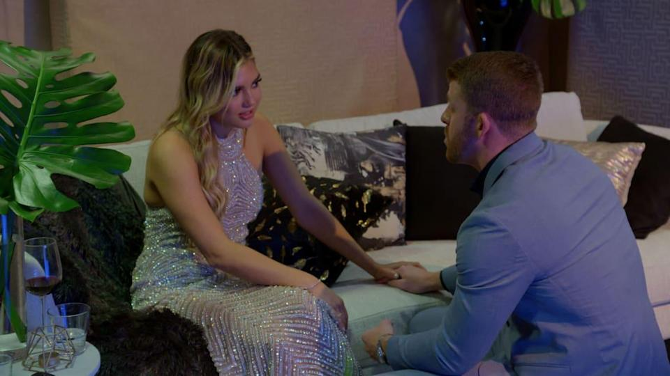 """<div class=""""inline-image__caption""""><p>Giannina giving Damian the business on <em>Love Is Blind: After the Altar</em></p></div> <div class=""""inline-image__credit"""">Netflix</div>"""