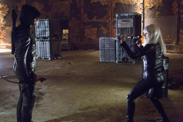 """""""Honor Thy Father"""" -- Stephen Amell as Arrow and Kelly Hu as China White"""