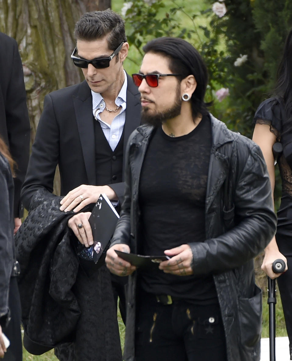 Perry Farrell, left, and Dave Navarro attend the funeral for Chris Cornell at the Hollywood Forever Cemetery on May 26, 2017. (Photo by Chris Pizzello/Invision/AP)