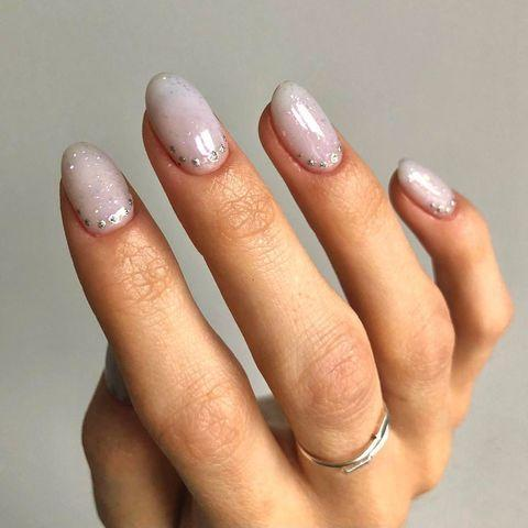 """<p>If you're looking for bridal inspiration, look no further than these Bridgerton inspired nails by <a href=""""https://www.instagram.com/shoreditchnails/"""" rel=""""nofollow noopener"""" target=""""_blank"""" data-ylk=""""slk:Shoreditch Nails"""" class=""""link rapid-noclick-resp"""">Shoreditch Nails</a>.</p><p><a href=""""https://www.instagram.com/p/CKvzUGJnFnE/"""" rel=""""nofollow noopener"""" target=""""_blank"""" data-ylk=""""slk:See the original post on Instagram"""" class=""""link rapid-noclick-resp"""">See the original post on Instagram</a></p>"""
