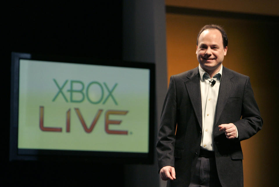 Microsoft XBox Live executive John Schappert gives his keynote address at the Game Developers Conference in San Francisco, California, February 20, 2008. REUTERS/Robert Galbraith (UNITED STATES) - GM1DXHSBVGAA