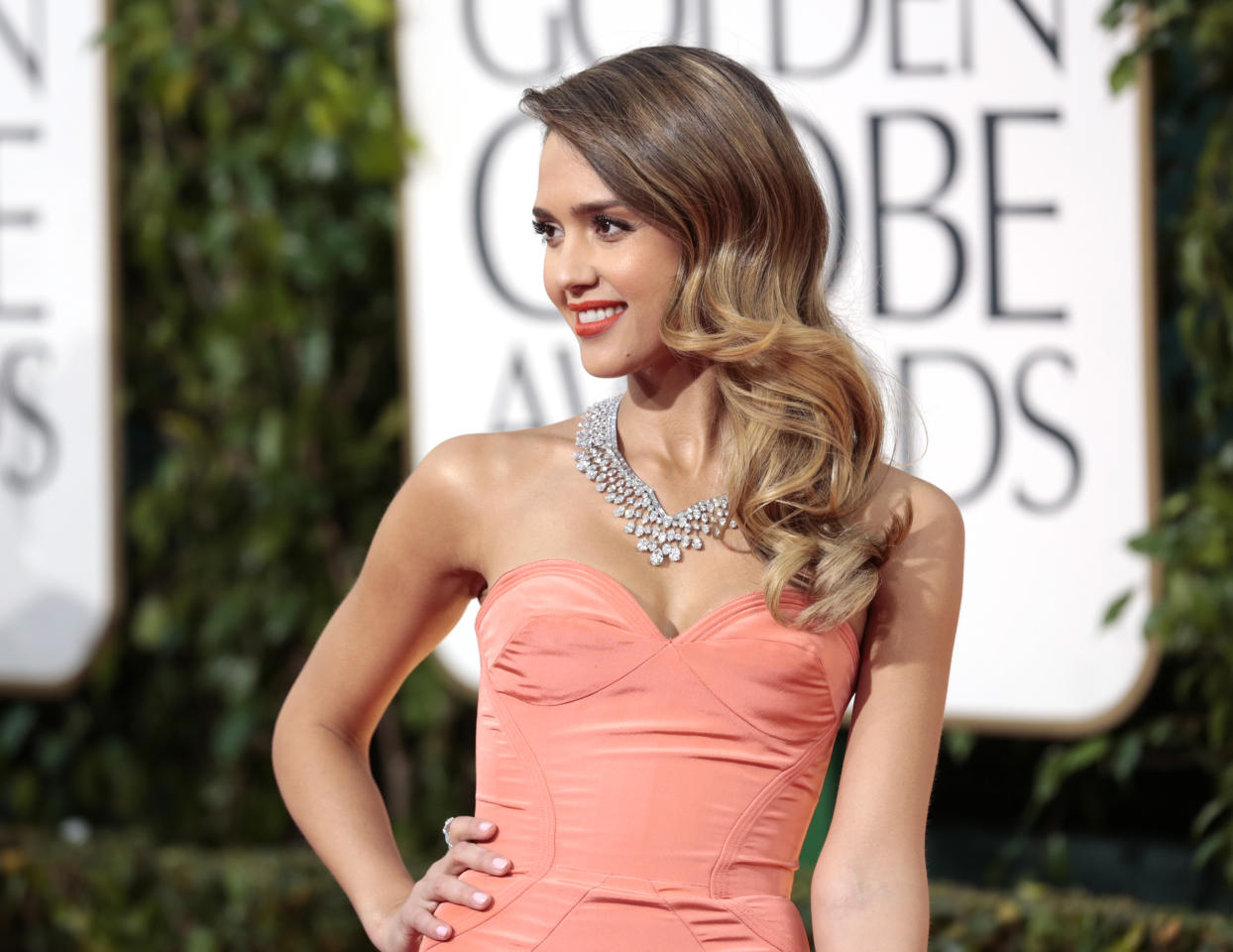 Actress Jessica Alba at the 70th annual Golden Globe Awards in Beverly Hills, California January 13, 2013. REUTERS/Jason Redmond (UNITED STATES - Tags: Entertainment) (GOLDENGLOBES-ARRIVALS)