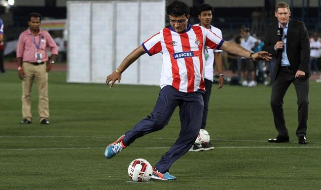 <p><strong>Kolkata, Aug 16 (CRICKETNMORE)।</strong> Former India hockey captain Dhanraj Pillay, popular Bengali actor Abir Chatterjee and cricketers Manoj Tiwary and Deep Dasgupta are among those who have confirmed their availability for the charity match to be played here involving Argentine legend Diego Maradona, the organisers said.</p>