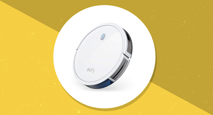 Save $70 on this top-rated robot vacuum. (Photo: Amazon)