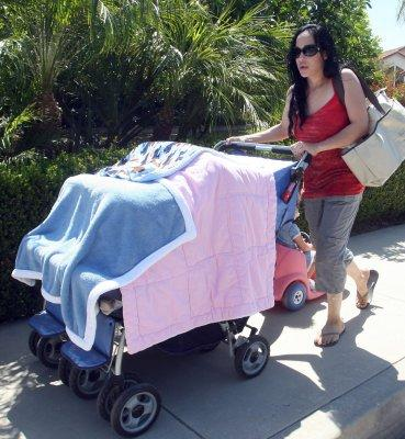 Nadya Suleman's outrageous Octo-stroller in 2009 [credit: FilmMagic]